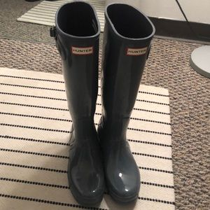 Light grey Hunter boots